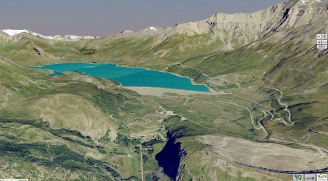 Le col du Chat et le lac du Mont-Cenis vus du côté Italien: vue aérienne oblique du géoportail IGN-France vers le NO, le col du Mont-Cenis se trouve à l'horizon gauche au bout N du lac.